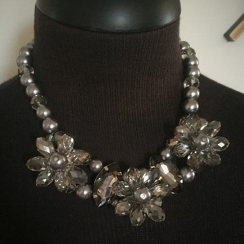 Silver Flower Necklace w/earrings