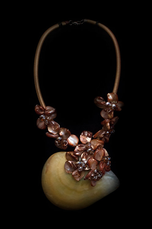Mother of Pearl Shell Brown Necklace