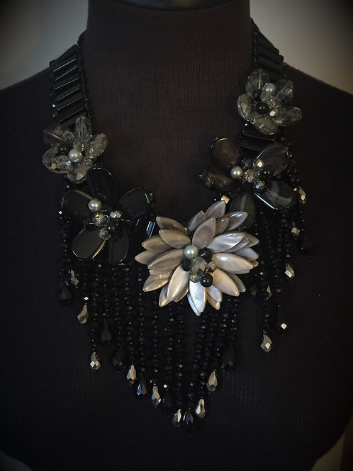 Black and Silver 5 Flower Necklace w/Earrings