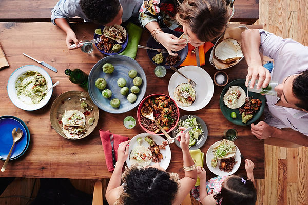 HEALTHY-LATIN-family-meal.jpg