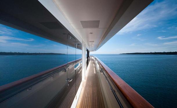 Yacht passage