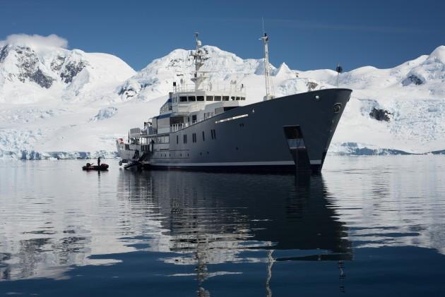 enigma-xk-generic-ship-iceberg-scene-ant
