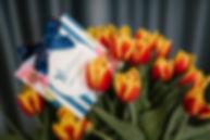 kwiaty tulipany i bon podrunkowy