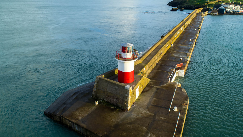 Wicklow's East Pier and lighthouse