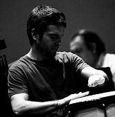 Luis Vives, percusión