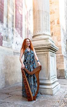 Abigail Horro | recorder & harp