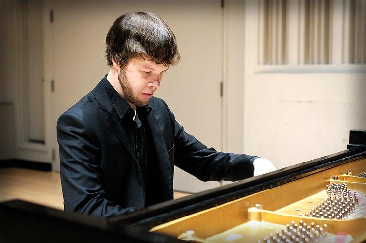 Benjamin Reiter at Steinway Piano