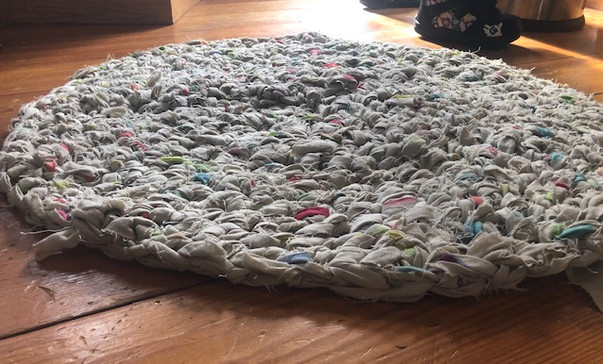 Recycled bed sheet mat