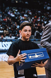 El Paso teen honored by Nike for sneaker giveaway