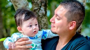 赤ちゃん 男の子 お父さん ツーショット モデル 国際結婚 出張撮影 カメラマン 公園 子供目線