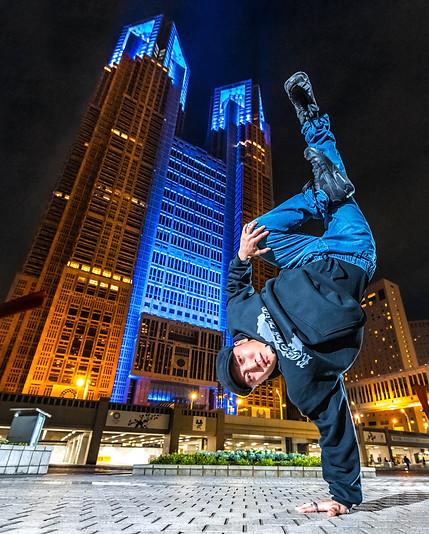 東京 都庁 新宿区 議会 ライトアップ ブレイクダンス ヒップホップ bboy bgirl プロフィール アー写 宣材 プロフィール 画像 ブレイキン 写真 撮影 カメラマン 写真家 フォトグラファー