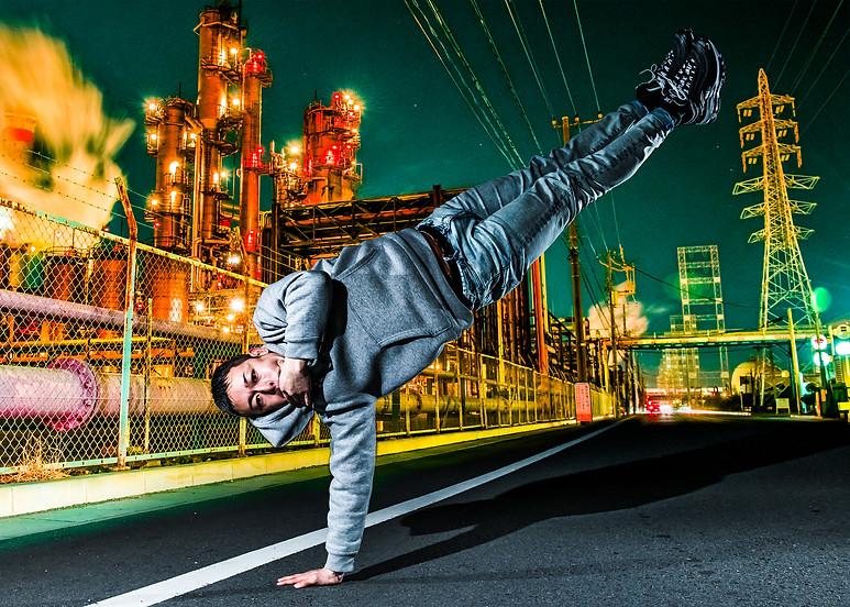 神奈川 工業団地 グラフィティー ウォールペイント ブレイクダンス ヒップホップ bboy プロフィール アー写 画像 ブレイキン 写真 撮影 カメラマン 写真家 ダンス 広告写真 フォトグラファー