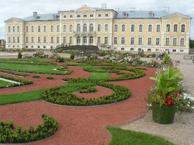 Rundale en Lettonie, le poids des Empires voisins