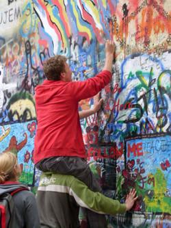 dessins sur les murs de Mala Strana