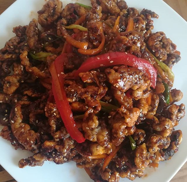 Chinese crispy shredded beef with a Kore