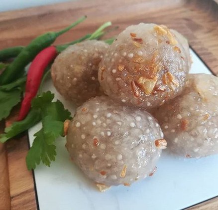 สาคูไส้หมู Sakoo Sai Moo (steamed stuff