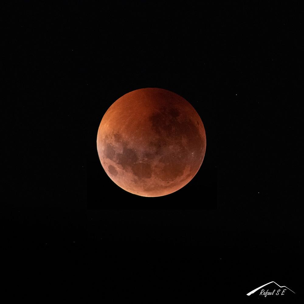 Luna Roja, Eclipse Lunar