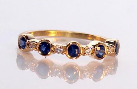 Tippy Taste Women's diamond ring