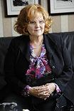 Brenda Vaccaro es Mónica Gilbert