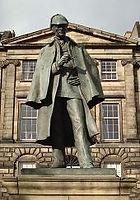 Estatua Sherlock Holmes