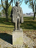 Maigret tiene monumento