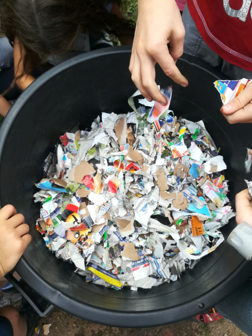 Recycling-Workshop Papierbriketts