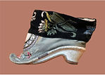 foot binding shoe