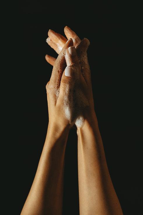 hand-washing-3968083.jpg