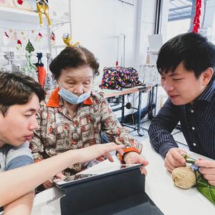 實驗店內舉辦多種課程,讓青年與長輩的夢想都能實現.jpg