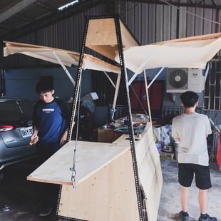建築系學生設計,居民指導施工的社區行動攤車.jpg