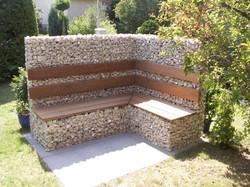 Уличная мебель из габионов