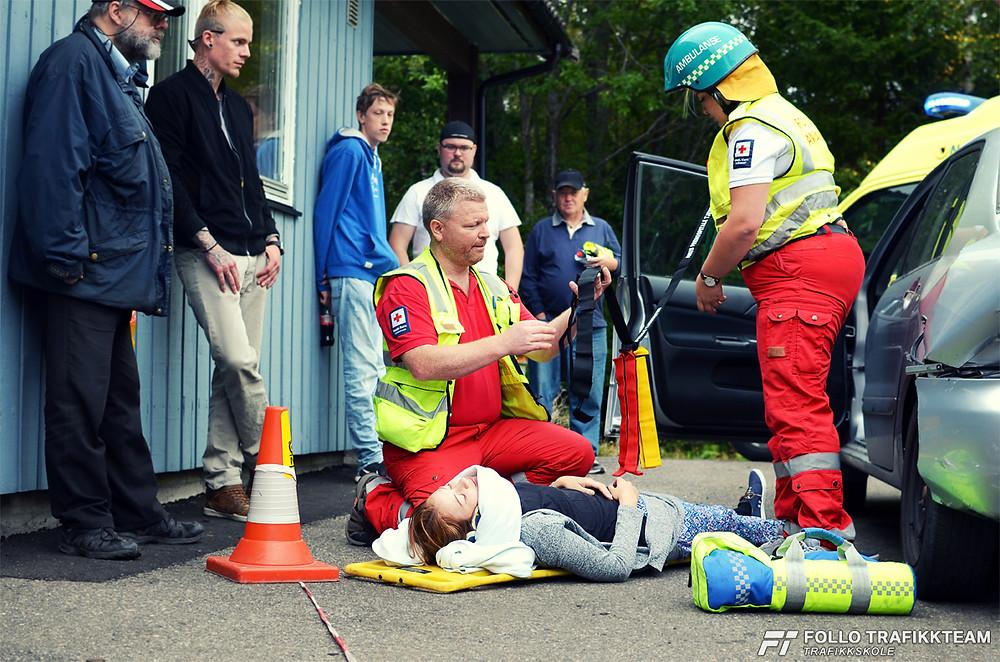 NAF Øvingsbane på Nesodden Åpen dag 2016 Besøk av Ambulansetjenesten