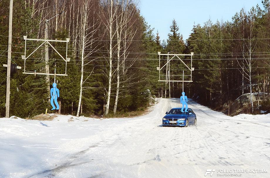 Sikkerhetskurs på bane glattkjøring med trafikkskole Follo Trafikkteam, kjøreskole i Ski og Oppegård