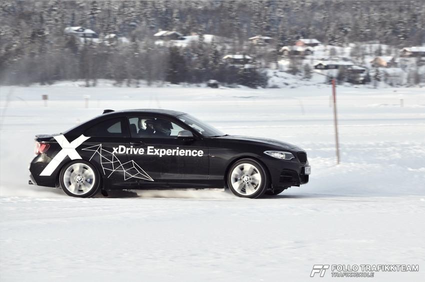 BMW Winter Experience på Gol, høyhastighetskjøring i en BMW M240i Coupe