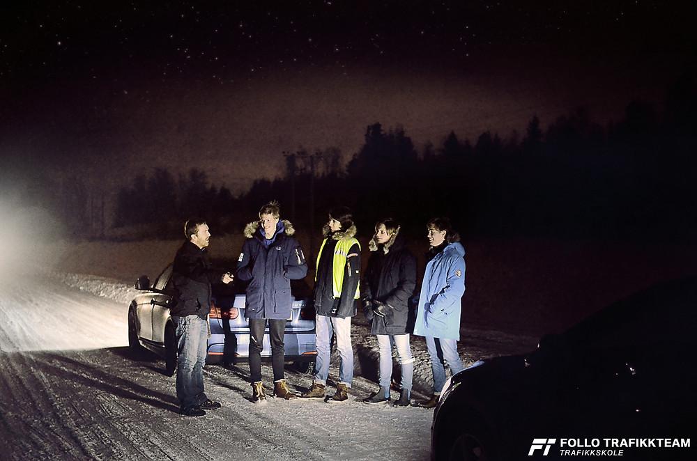 Trafikkskole i Ski og Oppegård Follo Trafikkteam mørkekjøringsdemonstrasjon (mørkedemo). Foto: Follo Trafikkteam.