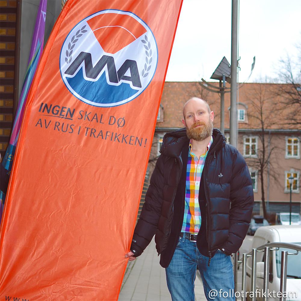 Trafikklærer og faglig leder ved trafikkskole Follo Trafikkteam, Grim Ketil Nordhus på Motorvognførernes Avholdsforbund MA trafikksikkerhetskonferansen. Foto: Trafikkskole Follo Trafikkteam.