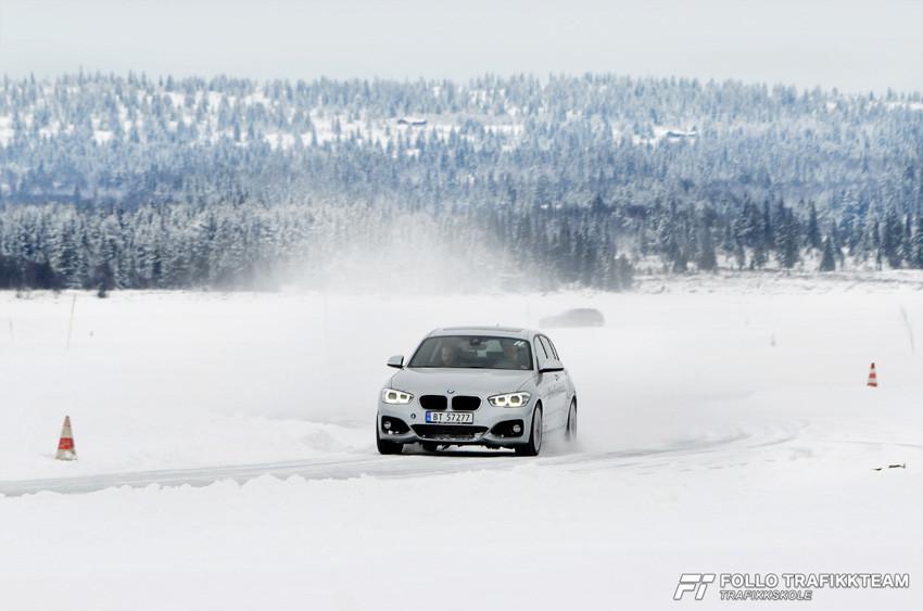 BMW Winter Experience 2017 slalåmkjøring. Trafikkskole Follo Trafikkteam