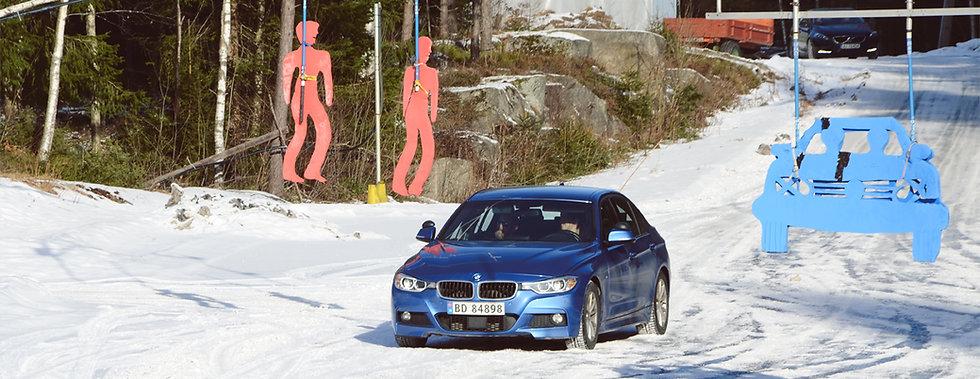 Sikkerhetskurs på NAF øvingsbane med elever fra Ski og Oppegård