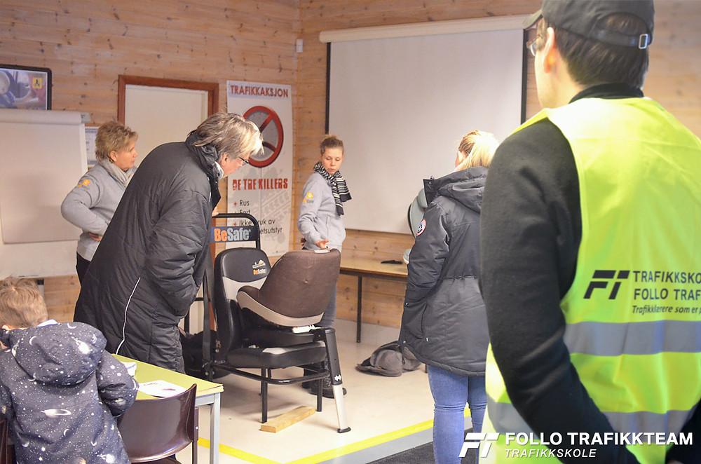 Trafikksikkerhetsdag med trafikkskole Follo Trafikkteam og NAF avd Follo på Nesodden. Babyshop