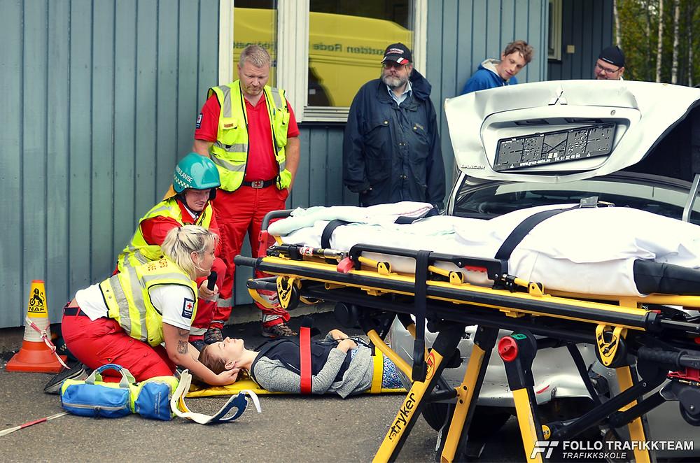 NAF Øvingsbane på Nesodden Åpen dag 2016 Ambulansetjenesten demonstrasjon