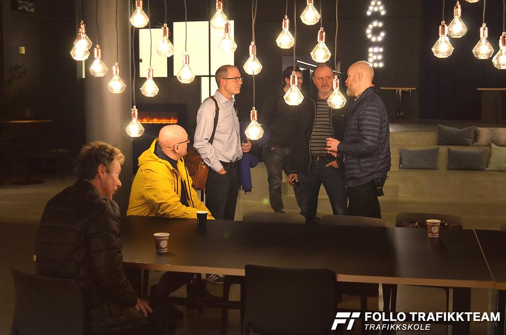 Trafikkskolelærere fra Follo Trafikkteam på Bilia Skøyen Fremtidens trafikkopplæring foredrag ATL og Veidirektoratet