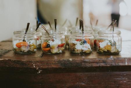 Mocarela salotos stiklainiukuose