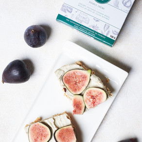 Plant-based fig cheesecake tart