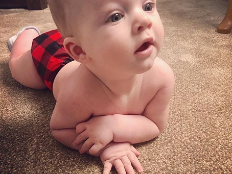 CLOTH DIAPERING 101: INTRODUCING SOLIDS