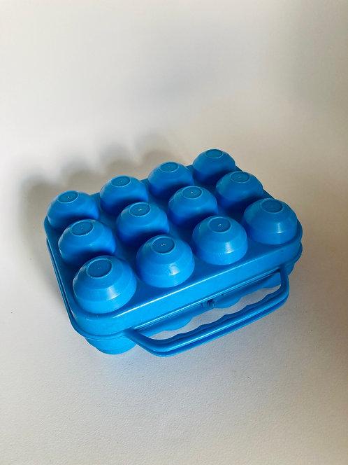 Grande boite à oeufs bleue