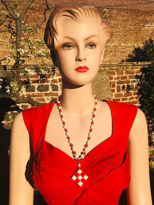 Collier vintage Damier blanc et rouge