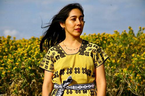 Huipil Malintzin jaune et noir