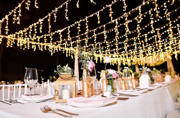 Table de mariage la nuit (1).webp