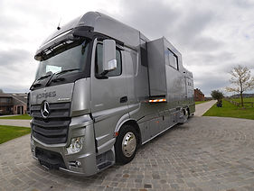 Mercedes Actros horsebox