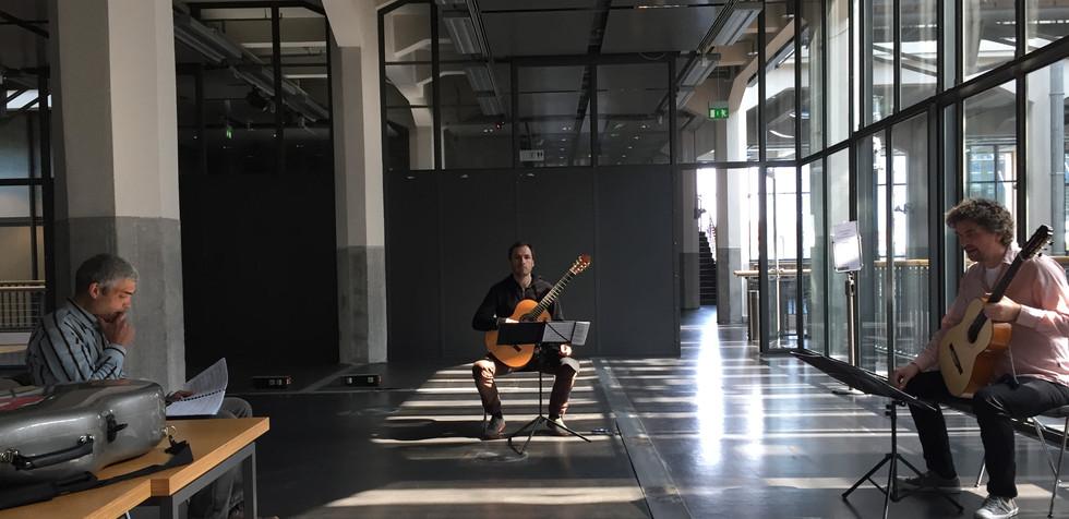 Joan Riera Robusté Pieza para 4 guitarras (y espacio) rehearsal